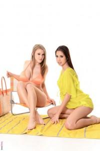 Hot amazing babes – Viola & Paula Shy